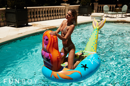 FUNBOY-Donald-Mermaid-Pool-Float_800x