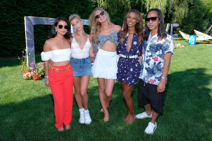 Raissa Gerona, Hailey Baldwin, Romee Strijd, Jasmine Tookes and Michael Mente (Photo by Matthew Eisman/Getty)