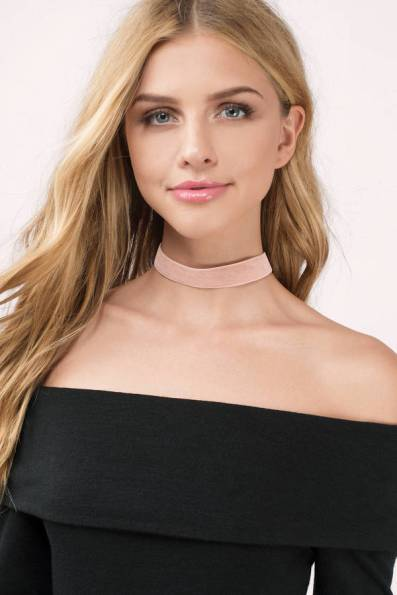 SOMETHING ABOUT YOU PINK VELVET CHOKER from Tobi - www.tobi.com