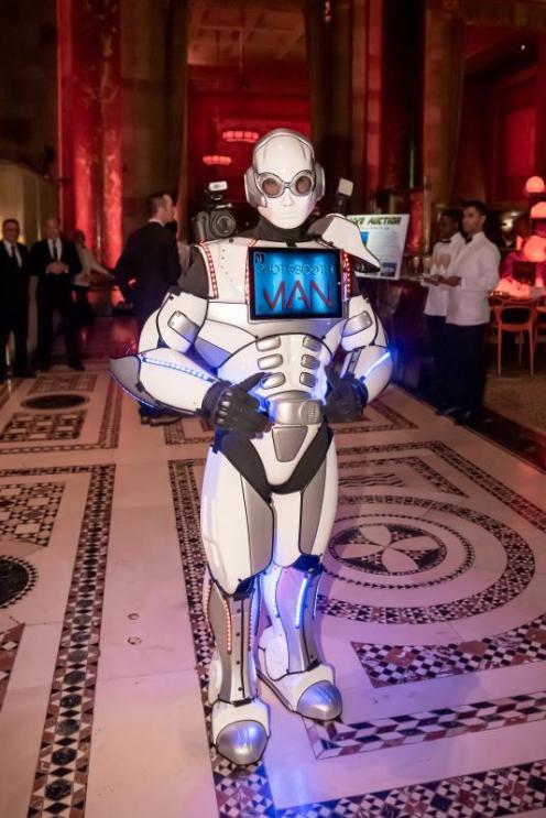 anniewatt_84155+Photo+Robot