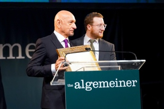 Sir Ben Kingsley and Algemeiner Editor in Chief and CEO Dovid Efune