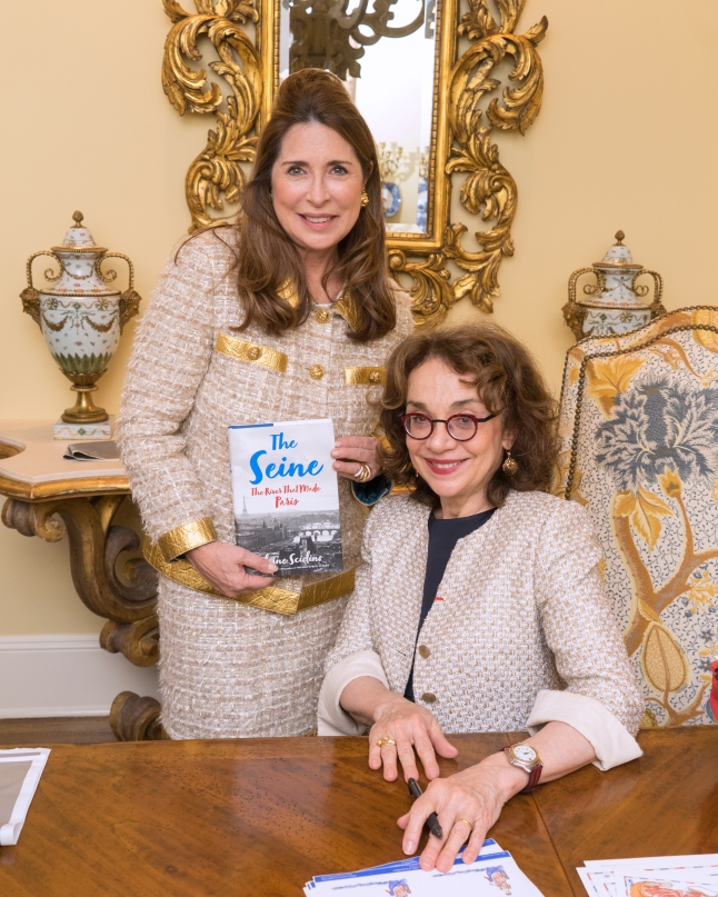 "Ann Van Ness, Elaine Sciolino at French Heritage Society ""The Seine"" Book Party at Private residence in New York on 10/28/2019 (photo by Annie Watt Agency / Sipa USA)"